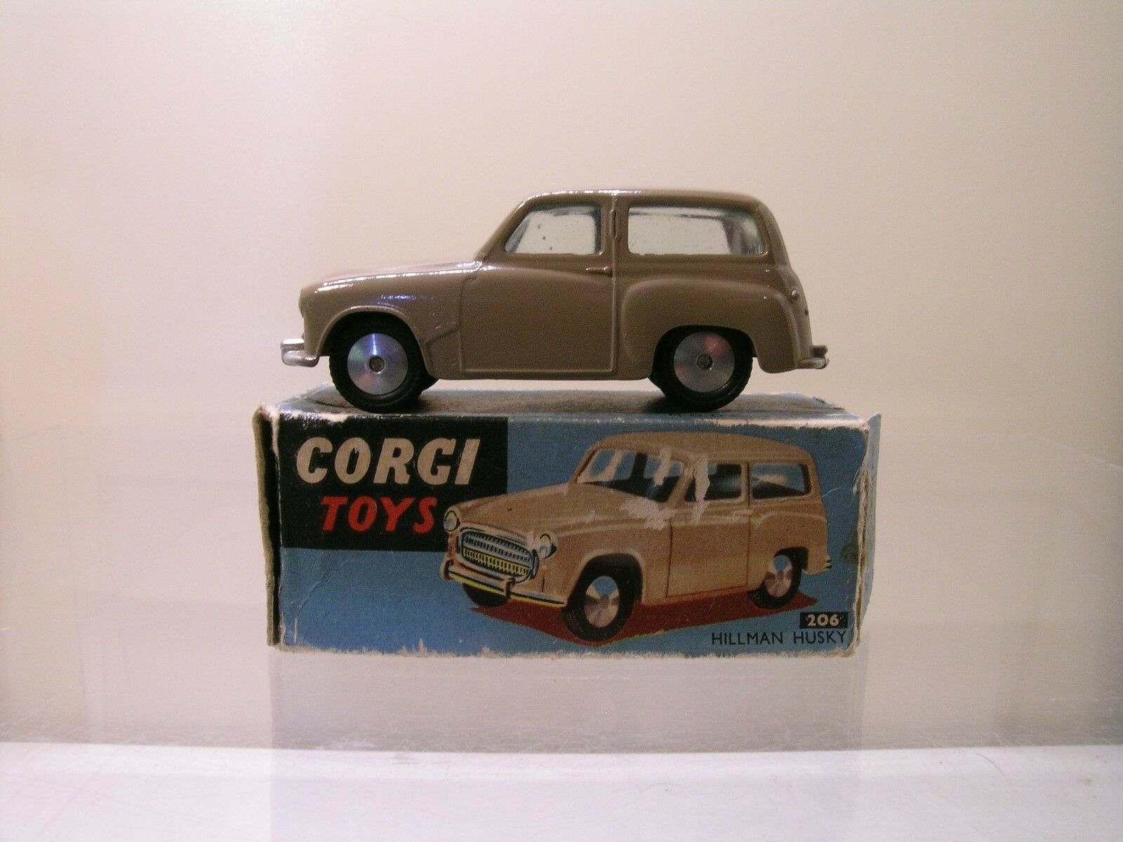 CORGI TOYS UK No.206 HILLMAN HUSKY ESTATE LIGHT Marronee blu OLD BOX  SCALE 1 43