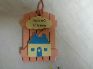 Valerie-039-s-Kitchen-Pink-Wood-amp-Blue-House-RUSS-Refrigerator-Magnets