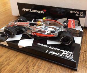 Minichamps-530-074302-Vodafone-McLaren-Mercedes-MP4-22-F1-1-43rd-2007-Hamilton
