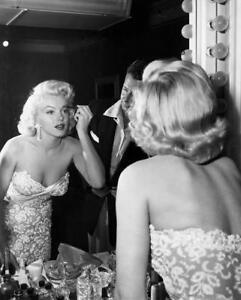 Marilyn Monroe Pink Veil Portrait Stretched Canvas Art Movie Poster Print model