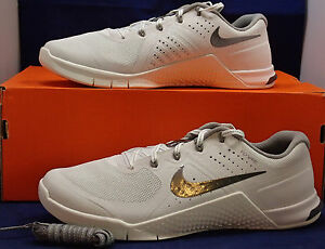 5bebf7848d5 Womens Nike Metcon 2 Summit White Metallic Pewter CrossFit SZ 8.5 ...