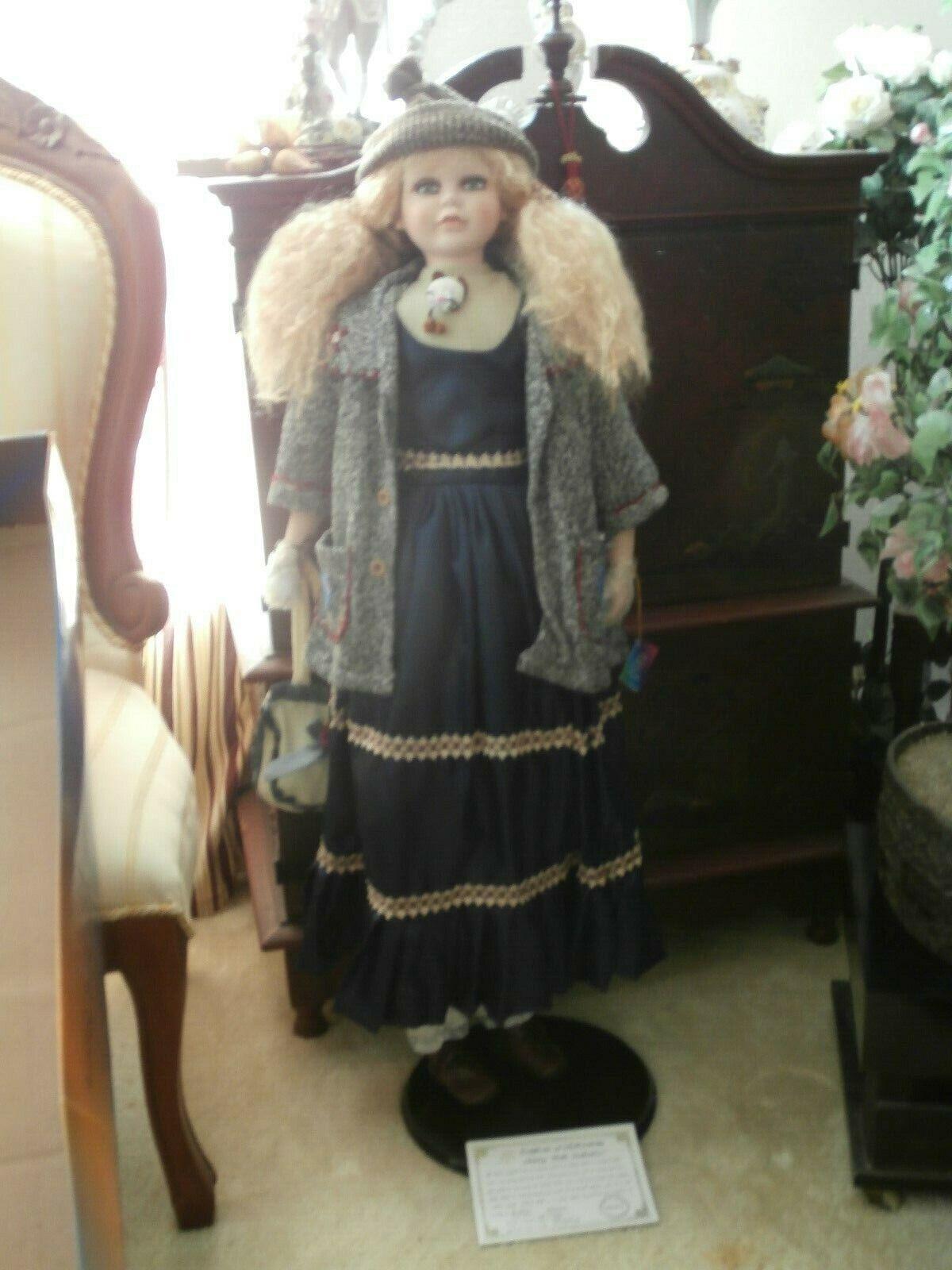 Ashley Belle Vintage Muñeca de gran tamaño con estilo Atuendo De Invierno Nueva con caja