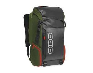 Ogio-Throttle-Pack-External-access-hanging-padded-computer-sleeve-104879-CO