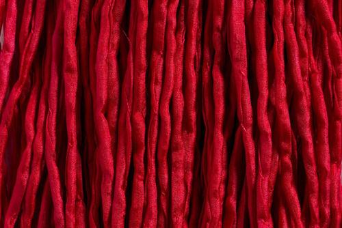 1 Meter; *3167 Seidenband Seidenschnur rubinrot 2 mm