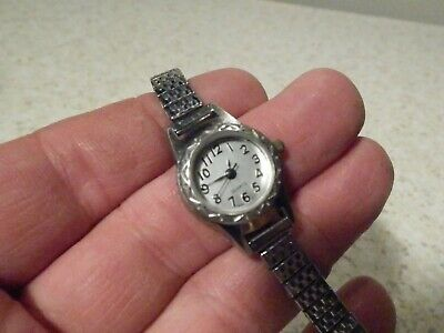 Nice Ladies Silver Tone Advance Watch W Stretch Band And New Energizer Battery Ebay