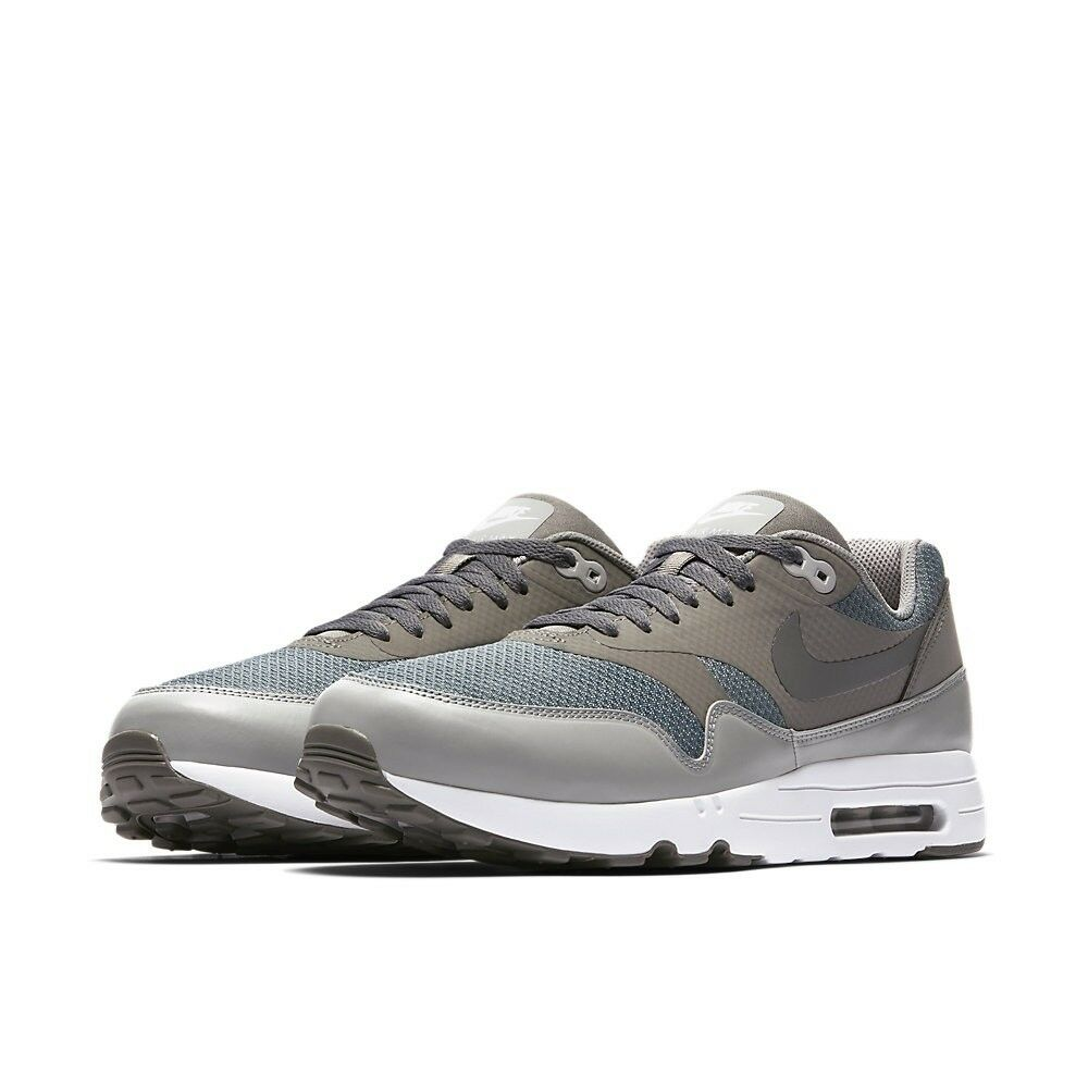 Nike Air Max 1 Ultra 2.0 Essential Taille 9.5 Brand New