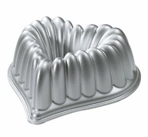 New Decorative Heart Shape Bundt Bakeware Pan Nonstick