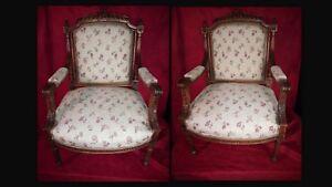 Paire-de-fauteuils-Fin-XIX-siecle-debut-XX-siecle-en-noyer