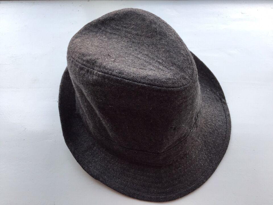 Hat, Pieces, str. S