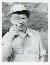DAVE THOMAS MAGNIFYING GLASS PORTRAIT DAVE THOMAS COMEDY SHOW 1990 CBS TV PHOTO