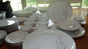 Fine-China-Dinnerware-Set-Platinum-Wheat-Service-for-8-mostly-Hostess-Pieces-EUC