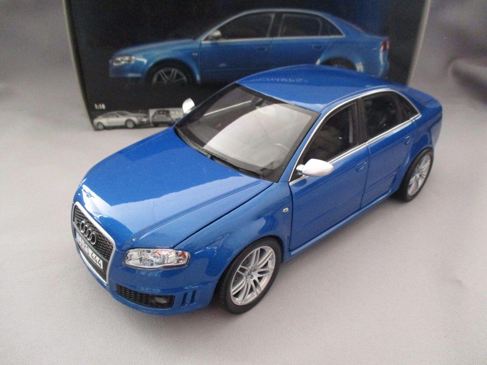AF983 MINISTAMPS AUDI RS 4 2006 blå METALLIC 100014600 1  18