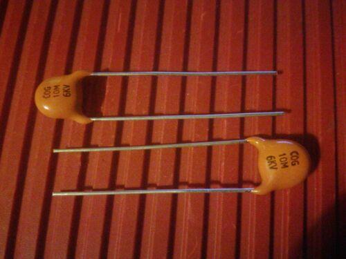 2x 10pF à 47pF 6 kV Condensateurs Céramiques