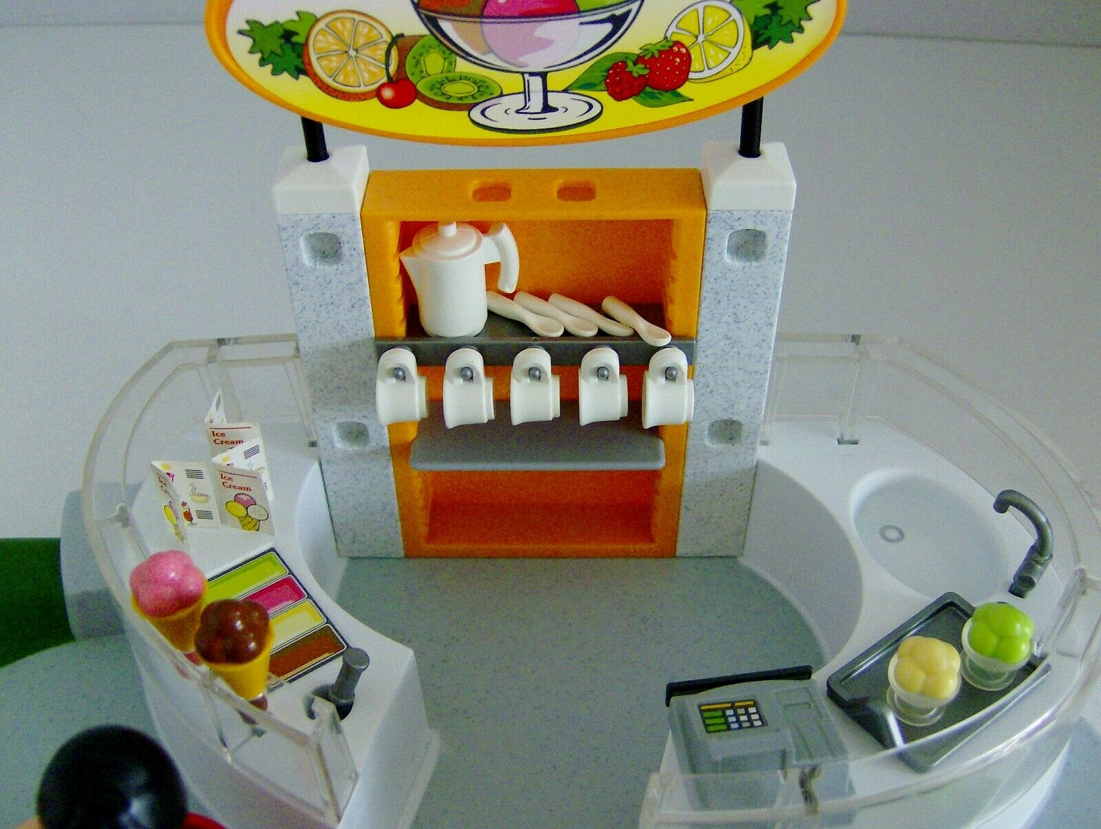 Playmobil Ice Ice Ice Cream Parlour with Figures & Accessories 4134 417b3f