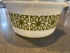 Pyrex # 473 1qt Bowl Vintage Verdi Square Flowers Milk Glass