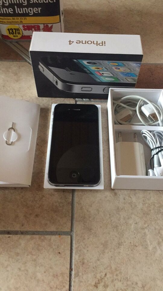 iPhone 4, 32 GB, sort