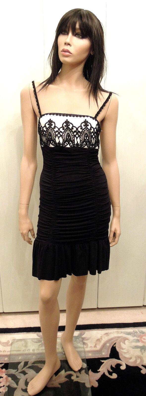 Abendkleid Gr. 34 schwarz weiß Spitze Raffungen betonen formen Figur auffallend