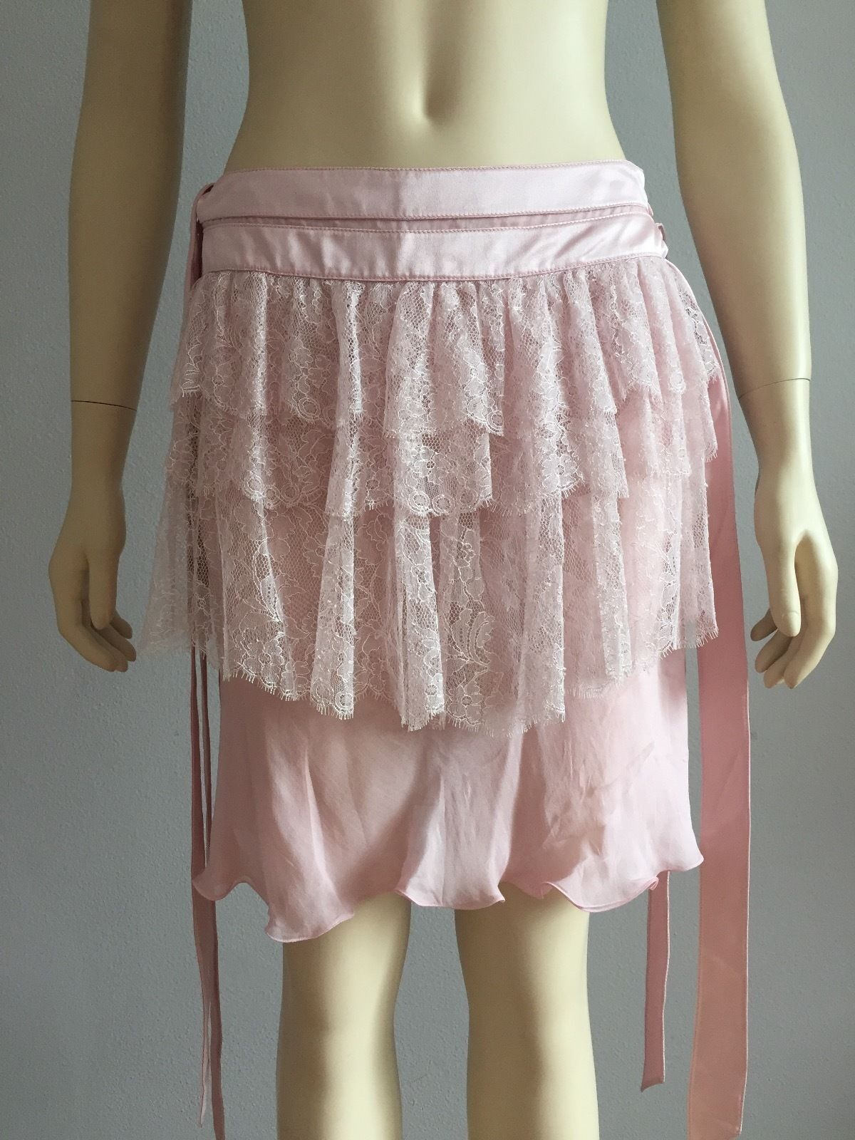 Valentino Skirt Pink NWT, Made in  100% Authentic