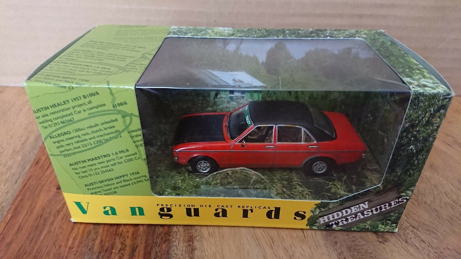 Corgi VA05206 Hidden Treasures Ford Granada 3.0 Ghia Sebring Red