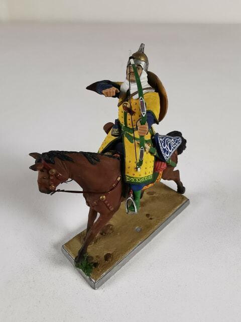 Superbe figurine militaire en plomb paint à la main  Arché monté  Neuf