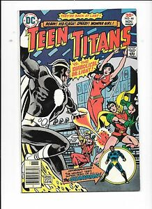 Teen-Titans-44-November-1976-Dr-Light-Mal-becomes-The-Guardian