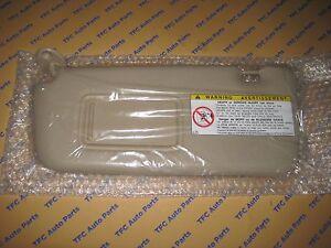 Toyota RAV4 2004-2005 Driver Side Sun Visor Without Vanity Lamp ... af4235ed0dc