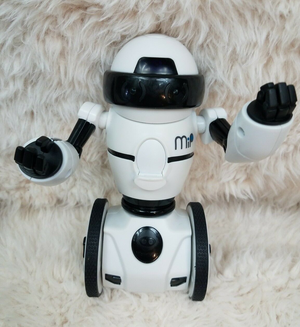 MiP Robot- White -Wowwee-Interactive-Robot Only....Works