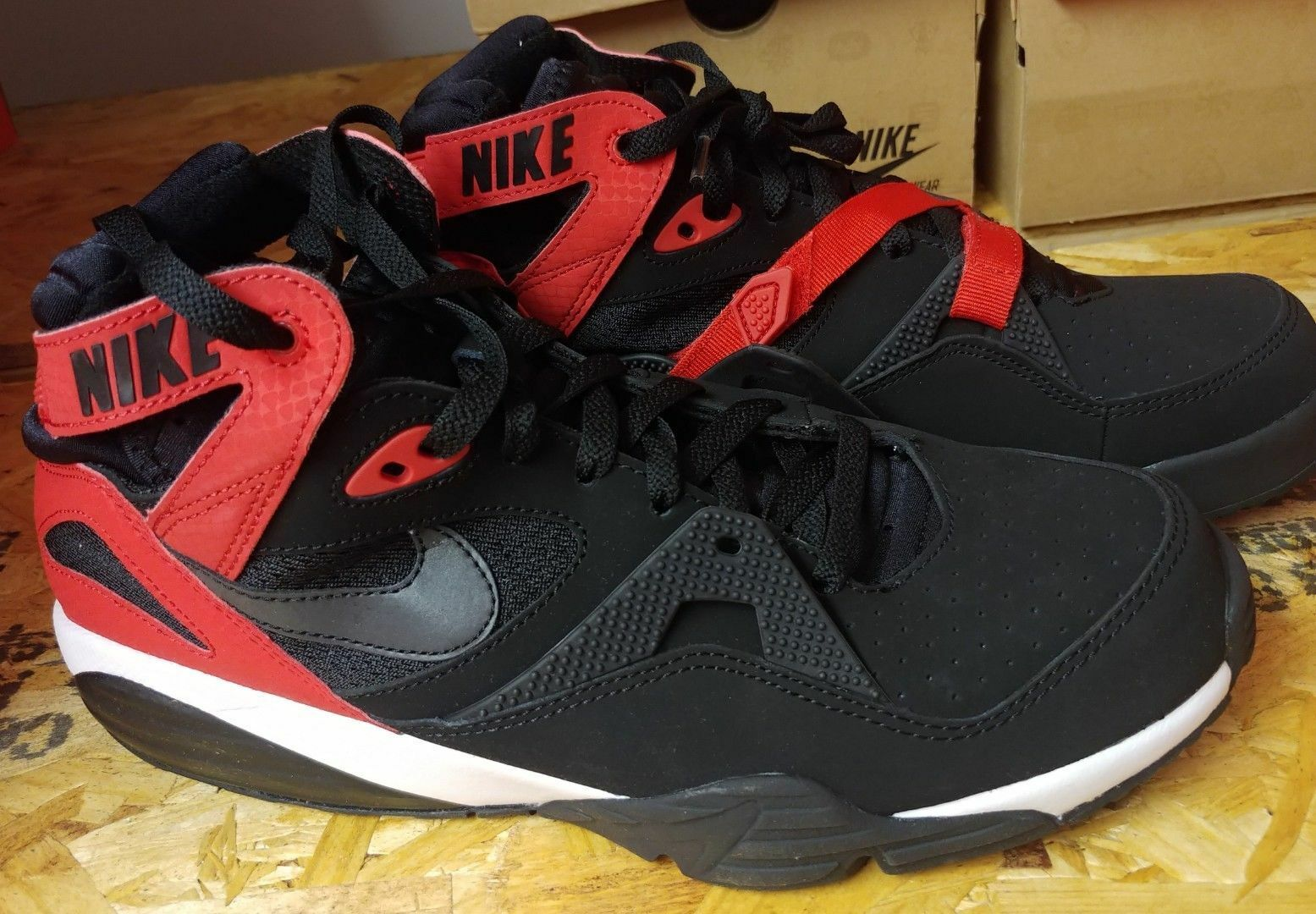 NEW 91 NIKE AIR TRAINER MAX 91 NEW 11.5 Black/Red/White 309748-008 Read Missing strap 225483
