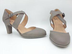 Details about Journee Collection Comfort Ainsli Women Shoes Pumps Taupe Sz 8 M
