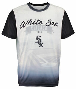 Forever Collectibles MLB Men/'s Chicago White Sox Outfield Photo Tee