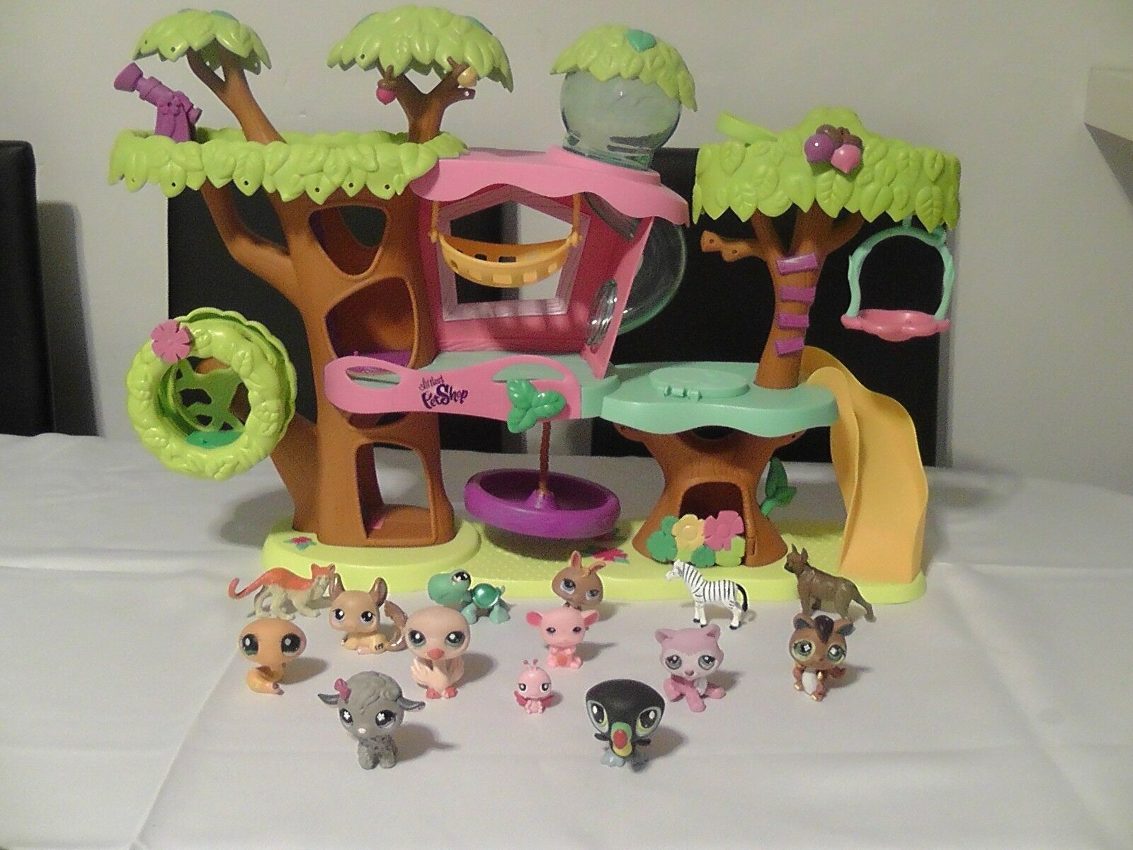 Littlest Pet shop magic motion Tree House Playset + Swing-Hasbro 2010