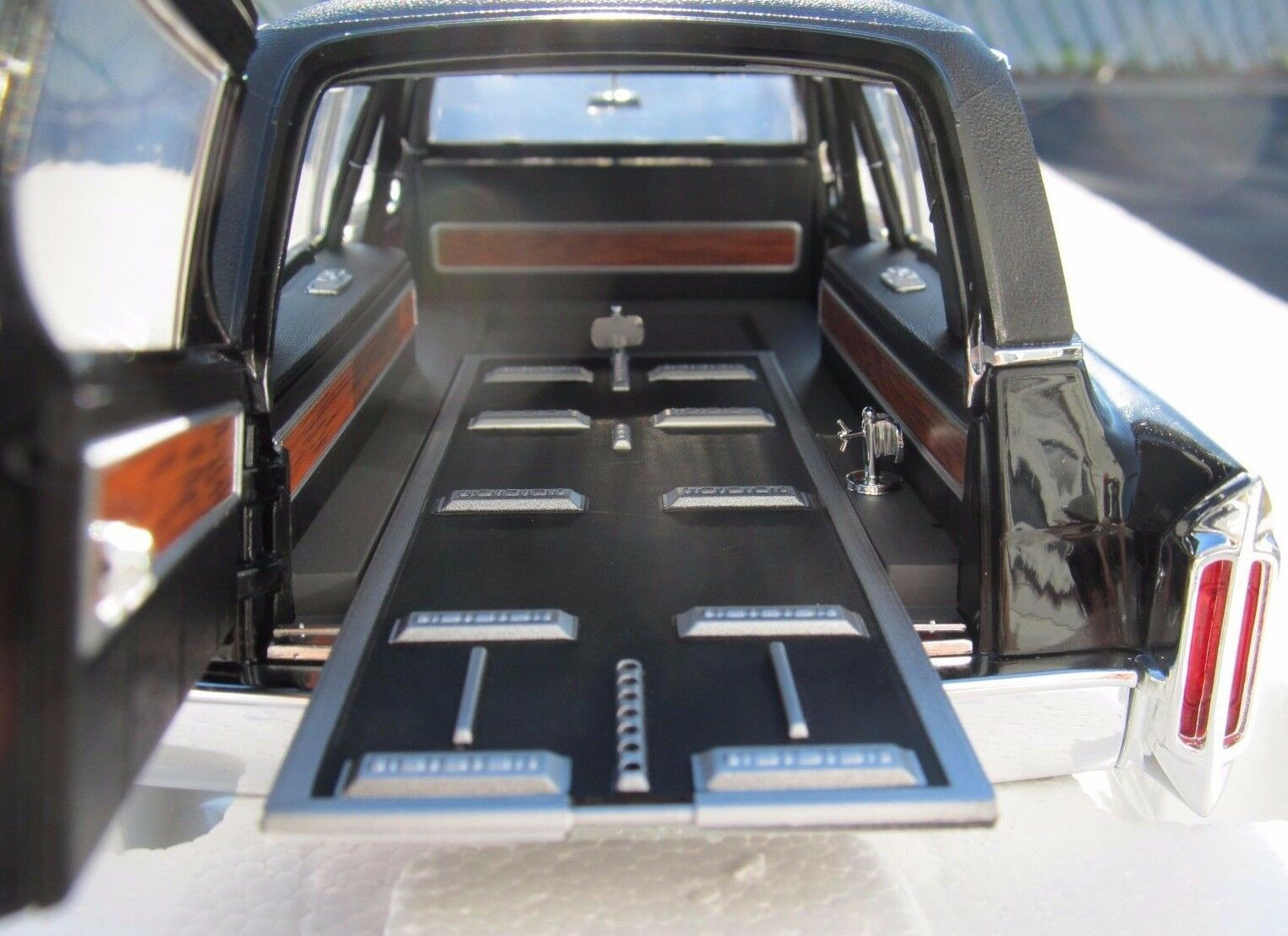 1 18 1966 CADILLAC LIMOUSINE PRECISION COLLECTION COLLECTION COLLECTION 1 of 900 Piece World Wide  b837e4