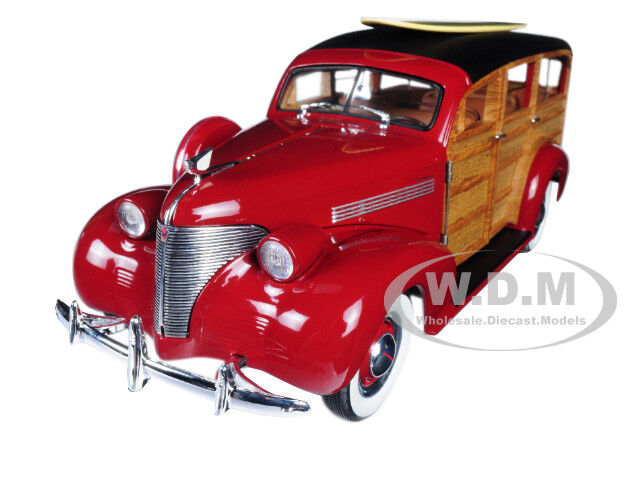 1939 Chevrolet Woody Surf Vagón rosso Tabla De Surf & Real de madera de 1 18 por SUNSTAR 6176
