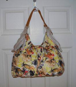 NWOT-Buxton-B-Collective-Med-Multi-Print-Leather-Triple-Compartment-Hobo-Handbag