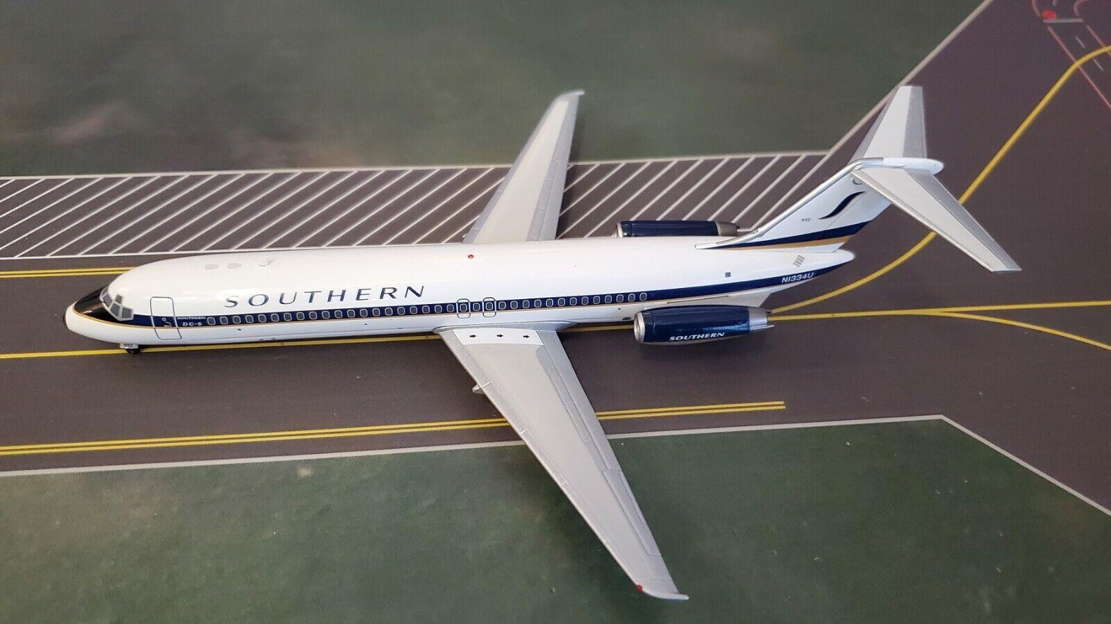 InFlight200 Douglas DC-9-32 Southern Airways N1334U Ref IF931S00519 mit Ständer