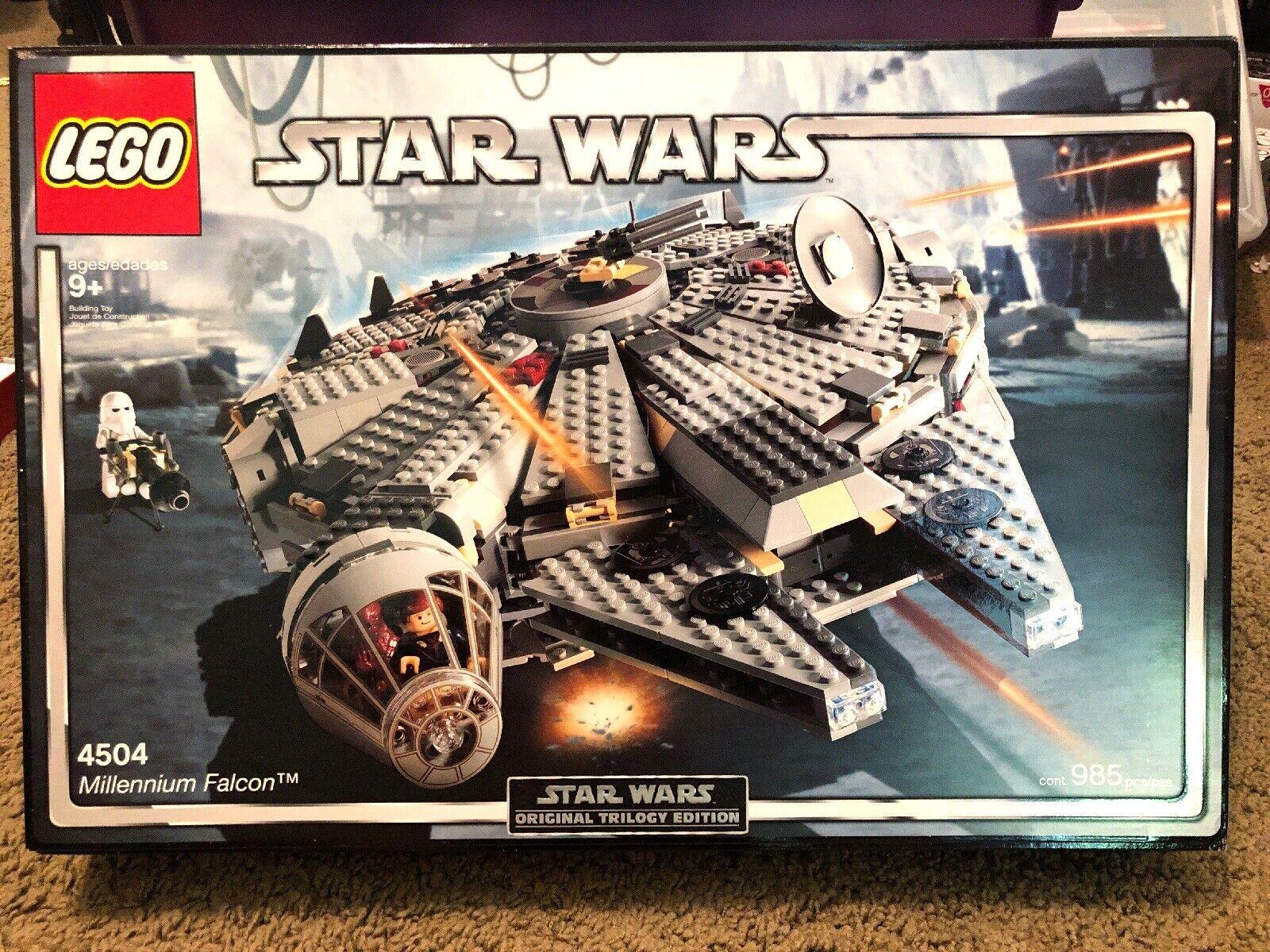 Lego 4504-Star Wars-Episode V-Millenium Falcon Neuf Scellé