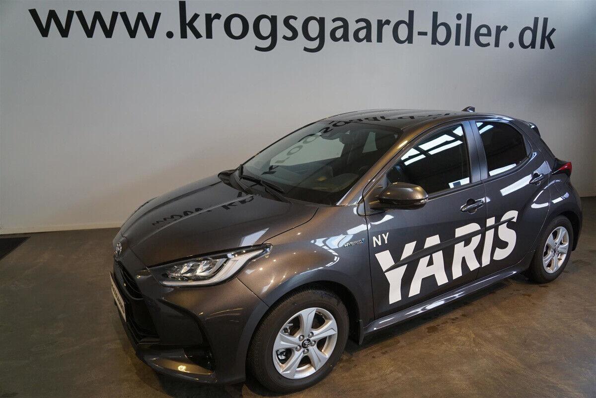 Toyota Yaris 1,5 Hybrid H3 Smart e-CVT 5d - 242.500 kr.