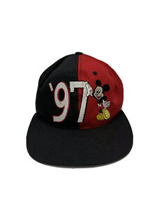 Vintage-Mickey-Mouse-1997-Snapback-Hat-Red-Black-Walt-Disney-World