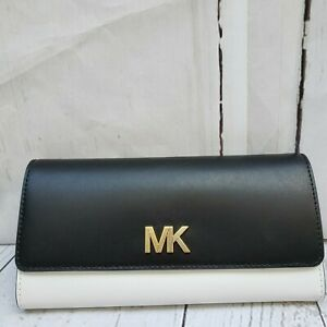 NWT-Michael-Kors-Montgomery-Carryall-Leather-Black-Optic-white-Leather-Wallet-MK