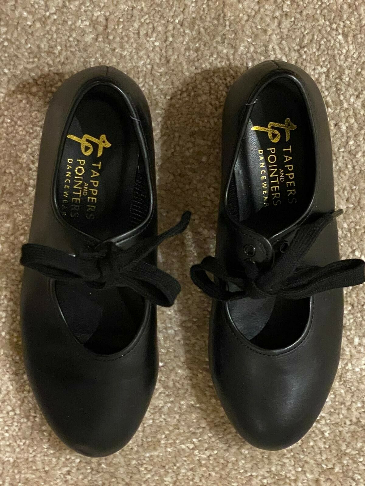 Girls tap shoes size 13 1/2, black Excellent condition, worn just a few times