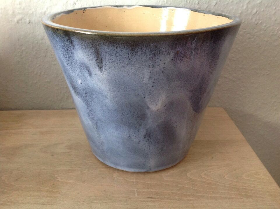 URTEPOTTE, Ukendt keramiker