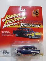 Johnny Lightning 2002 - Thunder Wagons - 1957 Chevy Nomad