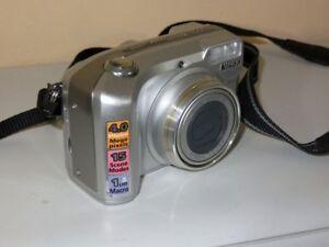 Nikon-COOLPIX-4800-4MP-Digital-Camara-Plateado