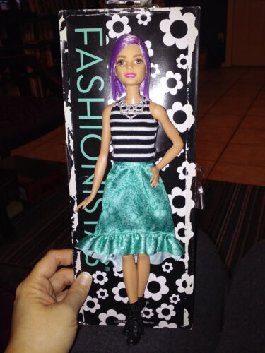 "New De-Boxed Nude Doll Fashionistas Barbie #18 /""Va Va Violet/"" w//Purple Bob"