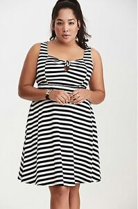 Details about Torrid Womens Black/White Striped Tie Front Skater Dress  White Plus Size 4X (TT8