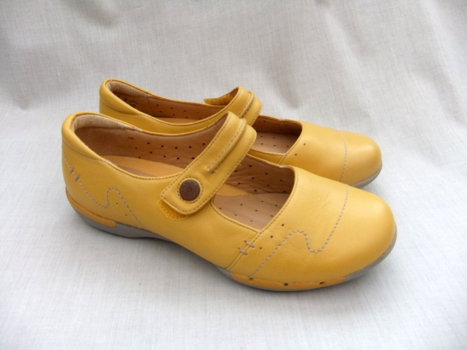 NEW CLARKS UNSTRUCTUROT UN HELMA YELLOW LEATHER Schuhe SIZE 4.5 / 37.5