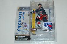 Mcfarlane NHL Legends 3 Wayne Gretzky New York Rangers variant statue figure