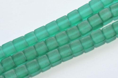 Ai4-17 45 perles de verre cube 8 mm Petrol Mat