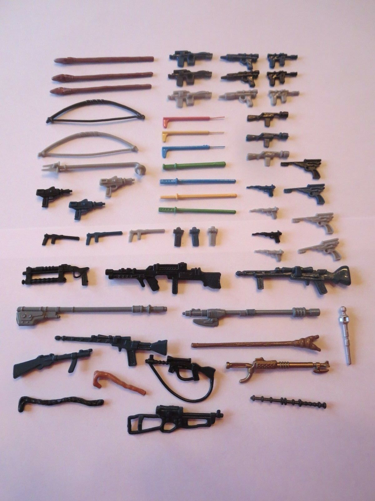 57 57 57 Vintage Star Wars Weapons Figures S+H 669cb9