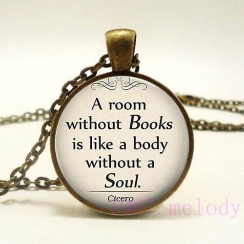 Vintage cabochon verre collier bronze Charme Chaîne Pendentifs : livres sont mon âme
